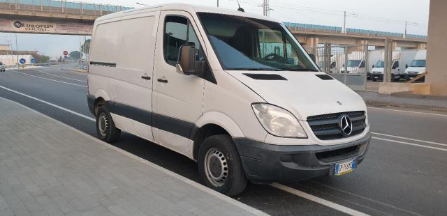 MERCEDES-BENZ Sprinter 310 Furgone corto tetto basso Euro 5 pieno